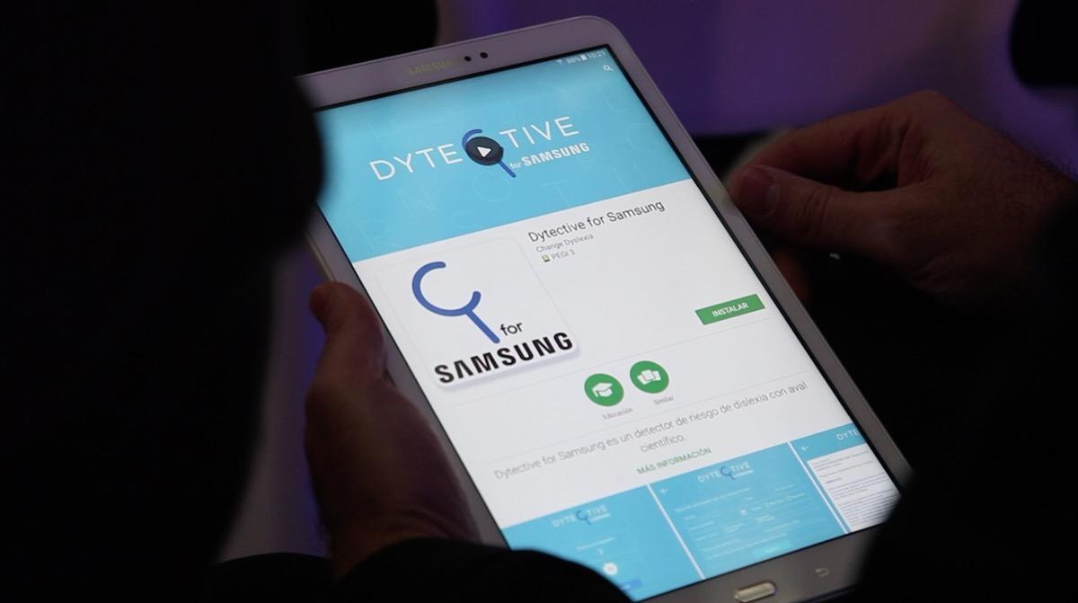 dytective-app-samsung-luz-rello-dislexia-01