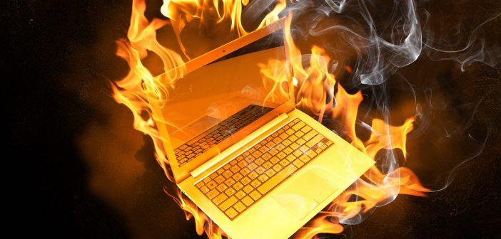 Apple anuncia un programa de retirada de portátiles MacBook Pro por el peligro de incendio de sus baterías